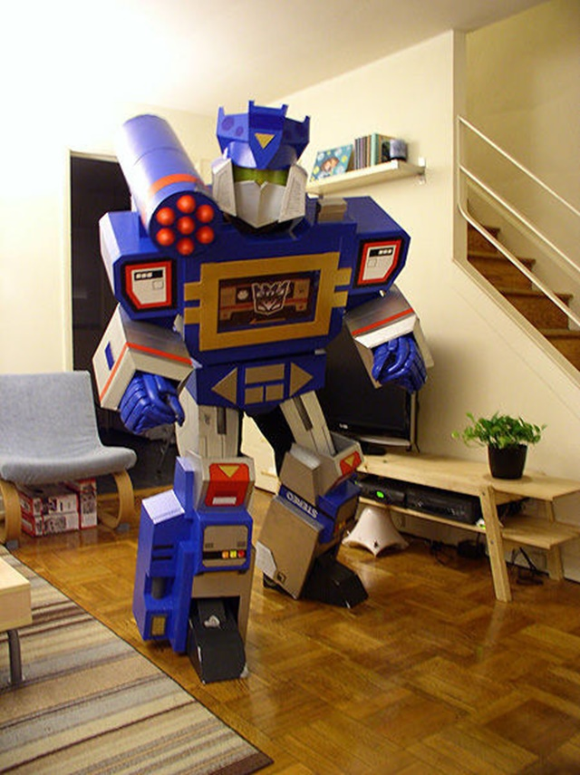 DIY Transformers Costume-20 Awesome Ways to Recycle Cardboard Box