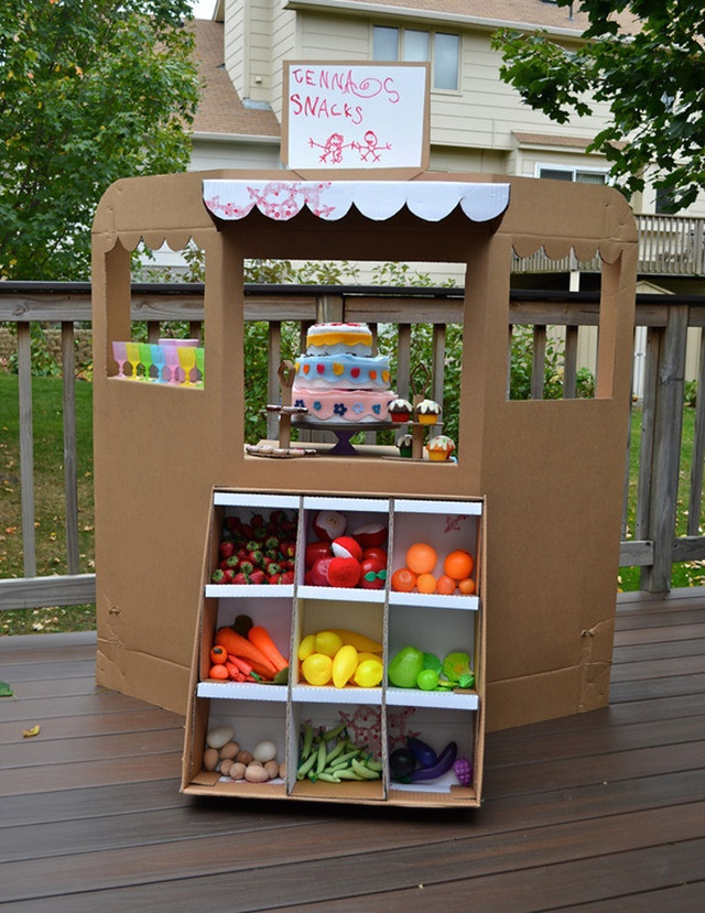 Cardboard Grocery Stand-20 Awesome Ways to Recycle Cardboard Box for Kids