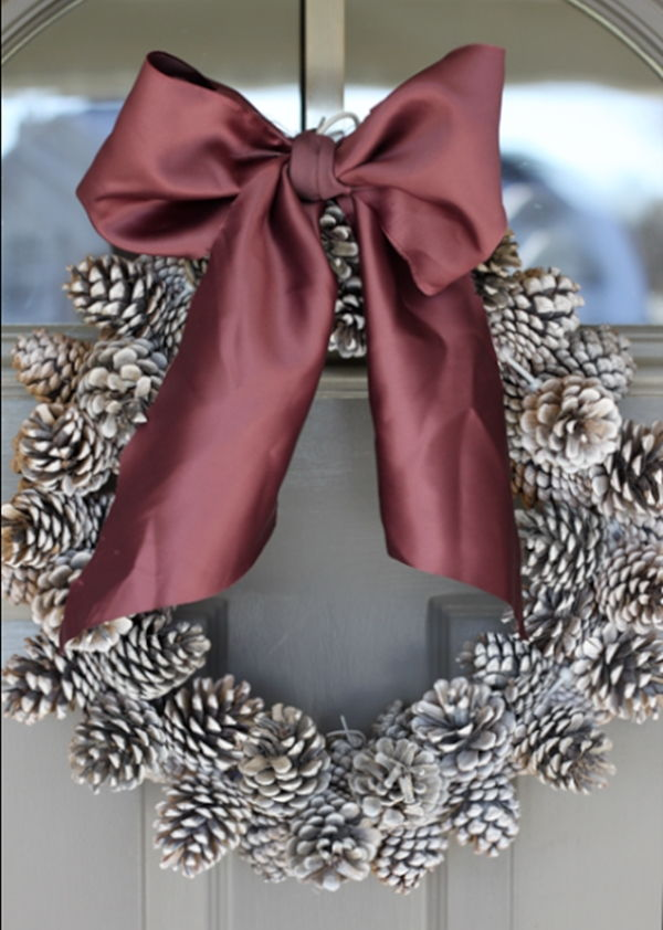 Pinecone Christmas Wreath-20 Beautiful DIY Pinecone Craft Projects For Christmas Decoration