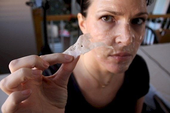 Make Your Own DIY 2-Ingridient Blackhead Removal Strips
