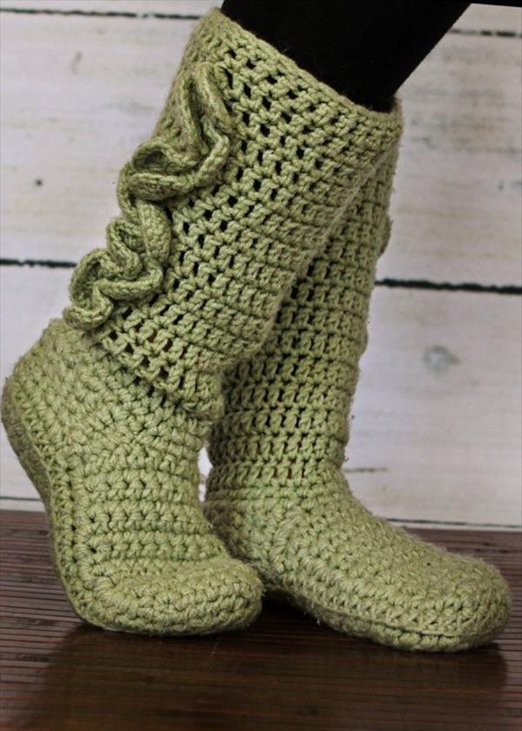 Crochet Mamachee Slipper Boots-10 High Knee Crochet Slipper Boots Patterns to Keep Your Feet Cozy - Adult Version