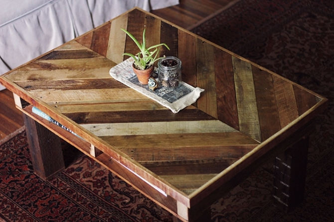DIYHowto 15 DIY Coffee Table Ideas And Free Plans With Instructions-DIY Chevron Pallet Coffee Table