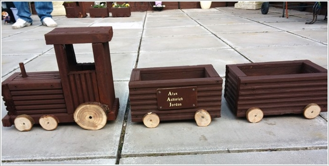 Dh Diy Train Planters From Wood Crate Picture Instructions07 Diy