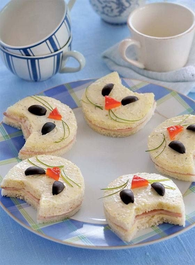 DIY Cat Sandwich-15 Fun Sandwich Ideas for Kids
