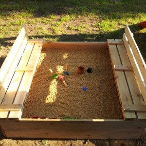 diy sandbox with bench cover diy sandbox projects video - Sandbox Design Ideas