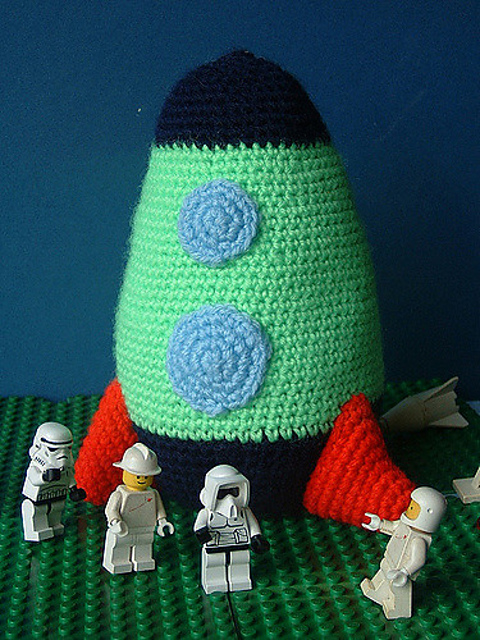 Crochet Fly Me To The Moon Rocket Amigurumi Free Pattern - #Amigurumi; #Rocket;Toy Free Crochet Patterns