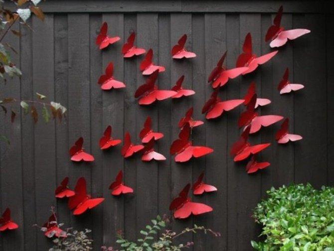 Butterfly Wall Art Garden Fence Decor-20 Backyard Fence Decoration Makeover DIY Ideas
