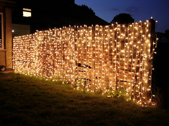 String Lights On Fence : Backyard Garden Fence Decoration Makeover DIY Ideas