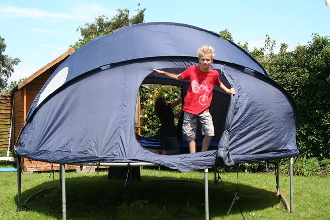 DIY Trampoline Tent-8 Top Trampoline Hacks