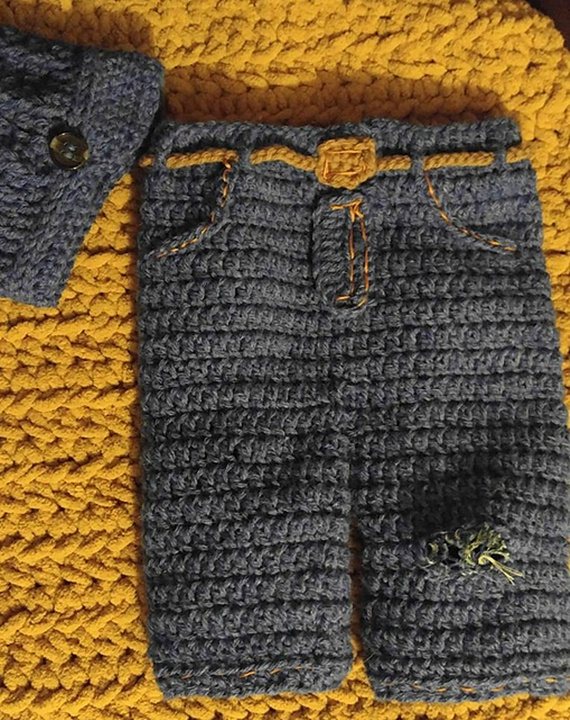 "Crochet ""Ripped Jeans"" Pants Photo Prop Free Pattern - Crochet Baby Pants Free Patterns"