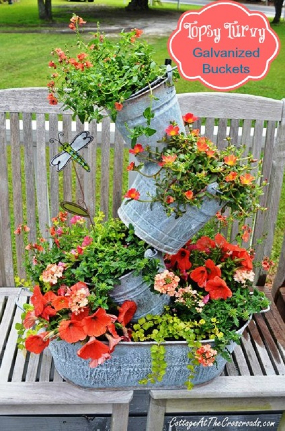 Topsy Turvy Galvanized Buckets DIY Instruction - DIY Tipsy #Vertical Pot Planter DIY Projects & Instructions #Gardening