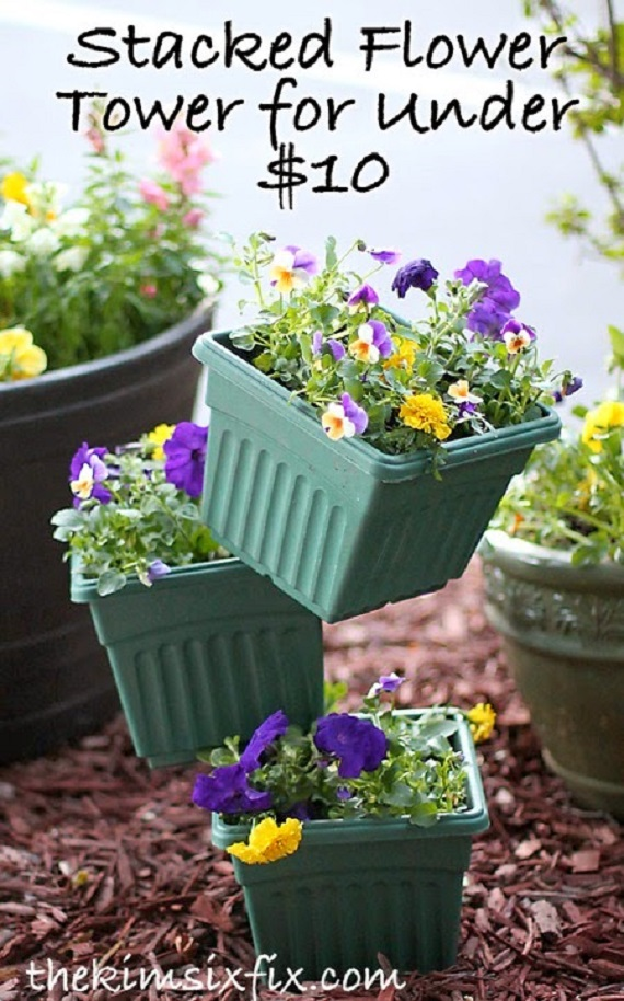 Flower Tower out of Stacked Pots DIY Instruction - DIY Tipsy #Vertical Pot Planter DIY Projects & Instructions #Gardening
