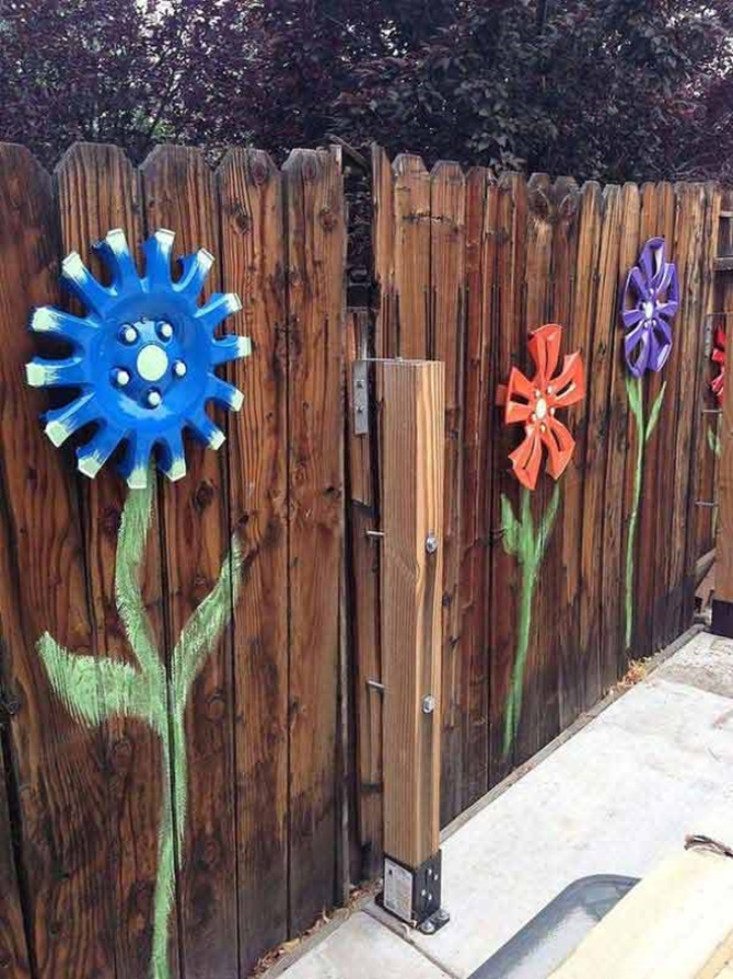 Car Wheel Flowers Fence Wall Garden-20 Fence Decoration Makeover DIY Ideas