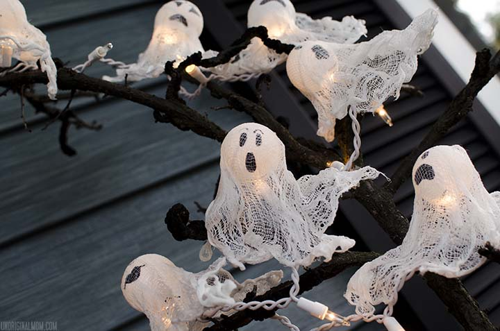 DIY Ping Pong Ball Ghost Lights Tutorial - DIY Halloween Light Projects Instructions